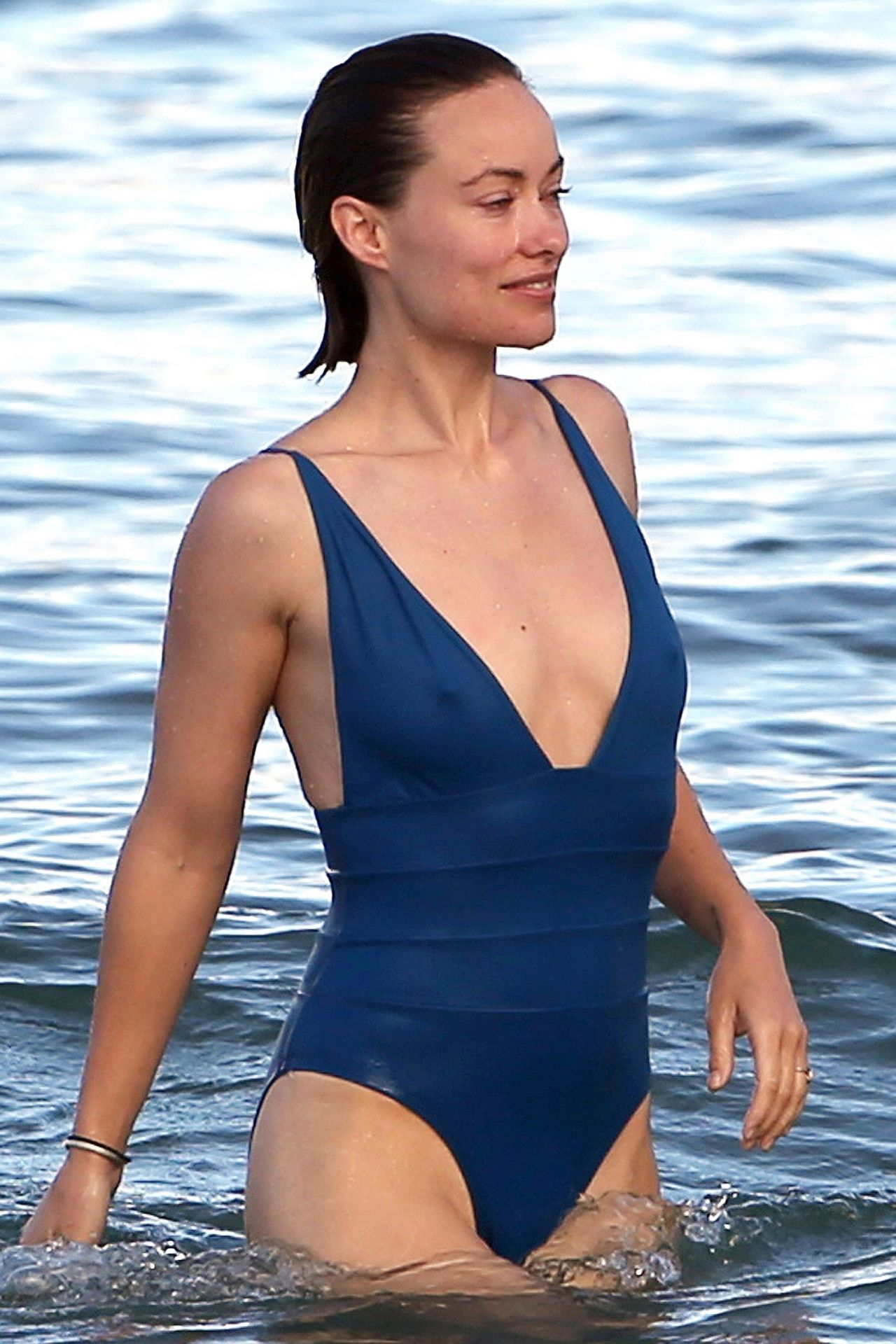 Olivia Wilde In A Blue Bikini On Hawaii 11222017