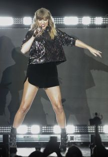 B96 Pepsi Jingle Bash Taylor Swift