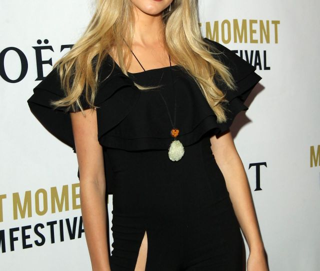 Alexis Knapp Moet Moment Film Festival Golden Globes Week In Los Angeles