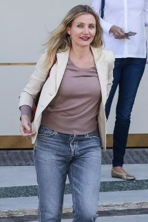 Cameron Diaz Waldorf Astoria Hotel In Beverly Hills