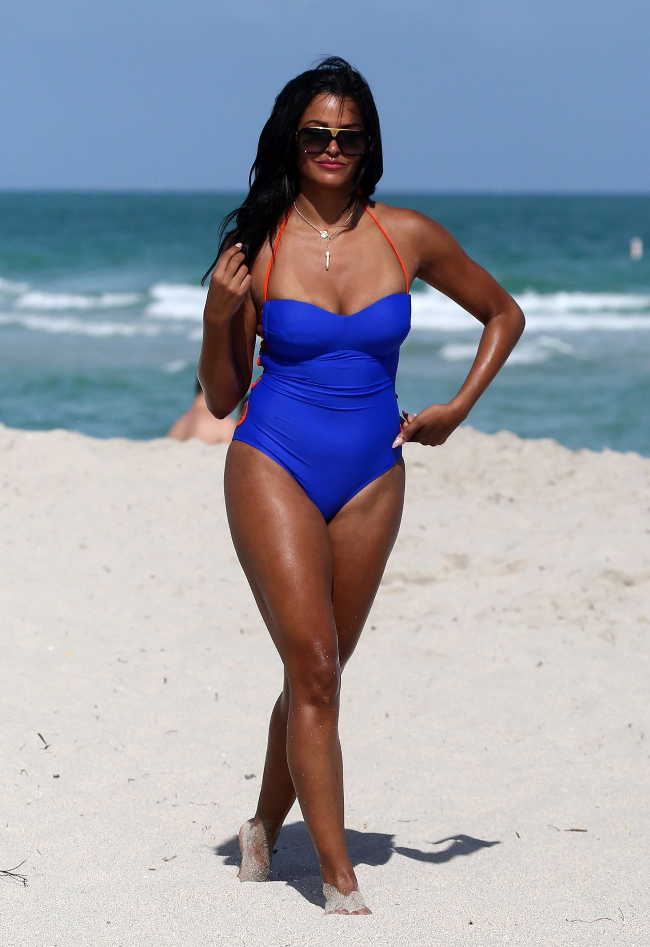 Claudia Jordan in a Blue Swimsuit on the Beach in Miami