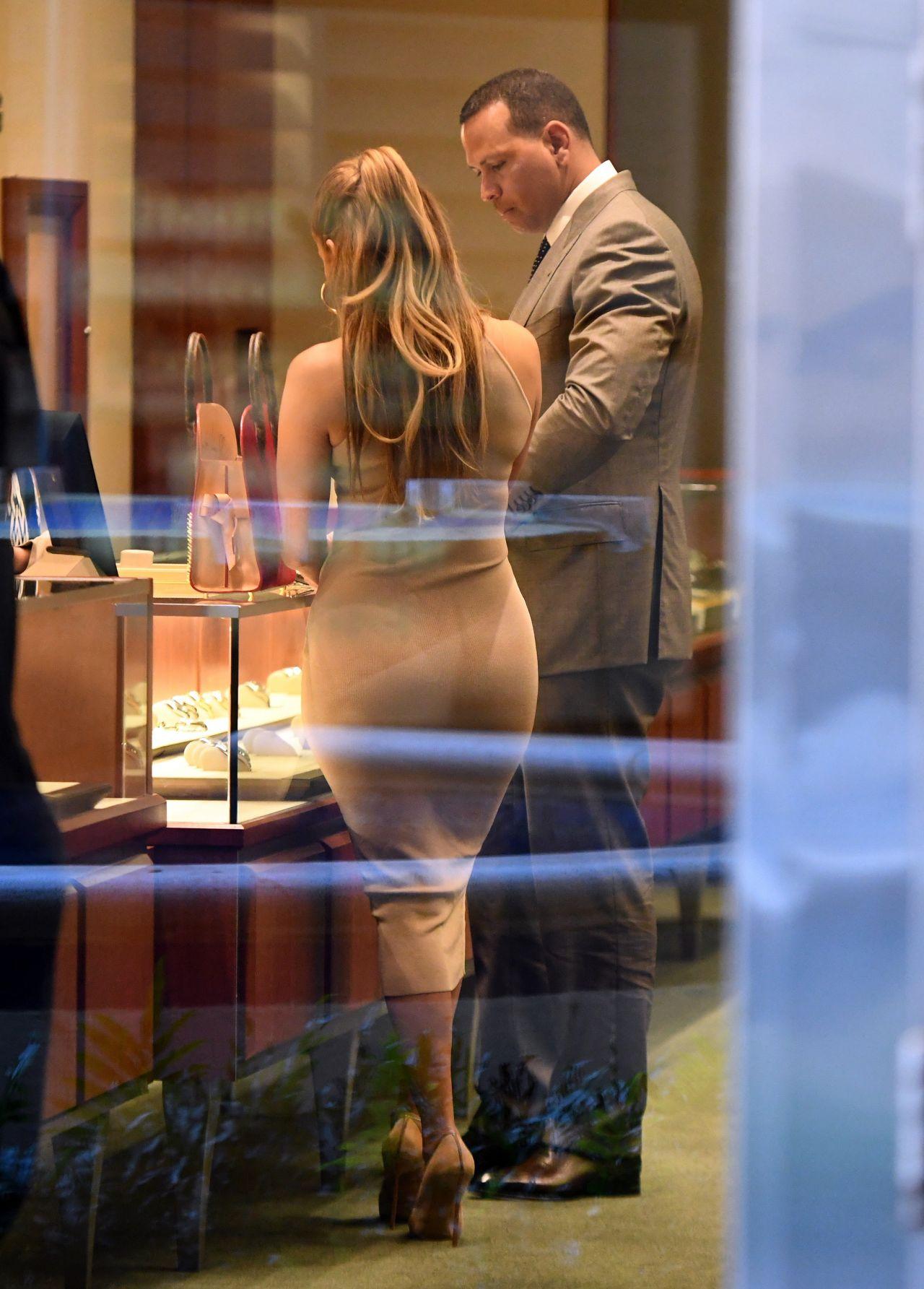 Jennifer Lopez  Shopping for Jewelry in Miami