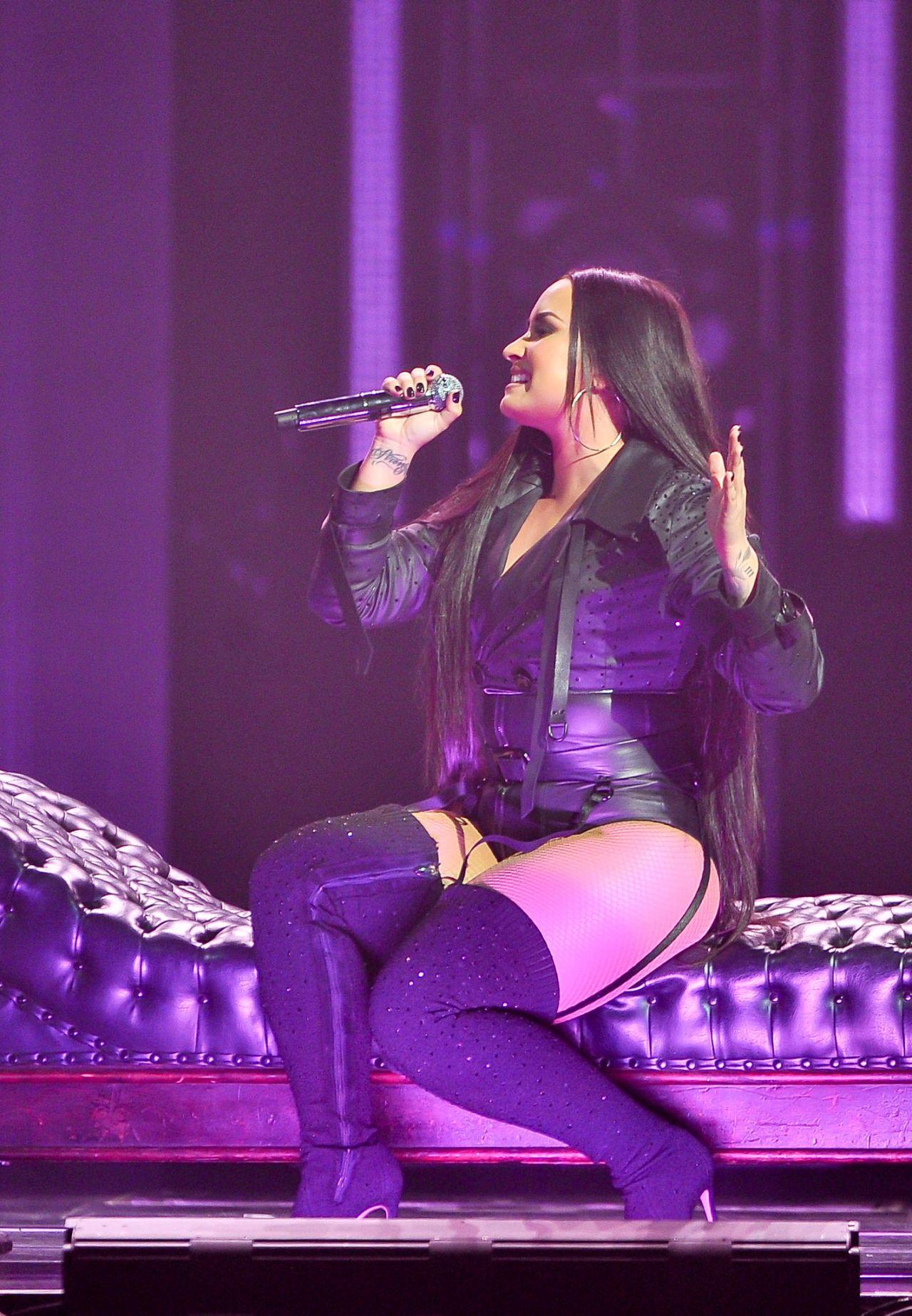 Demi Lovato  Tell Me You Love Me Tour in San Jose 0228
