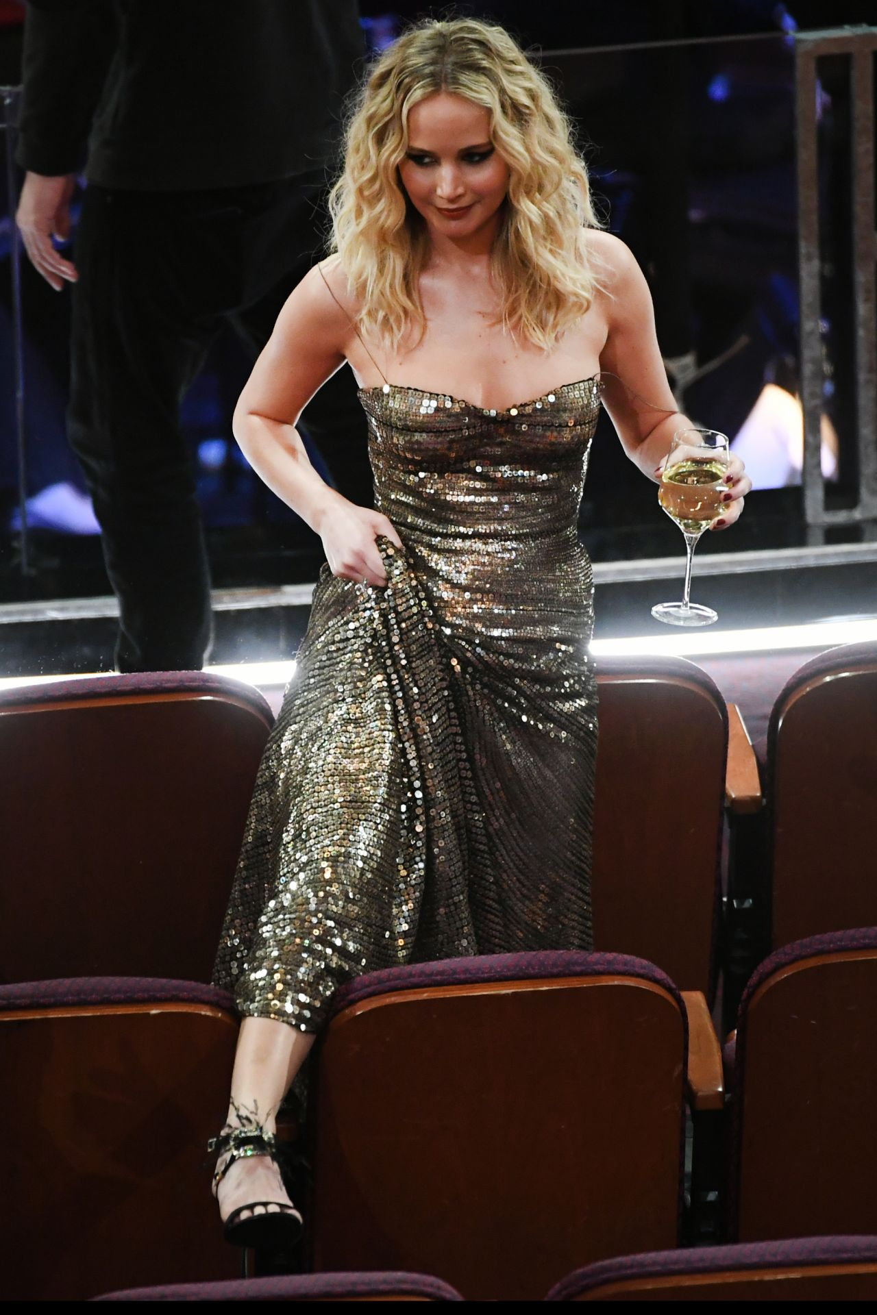 Christian Wallpaper Fall Jennifer Lawrence Oscars 2018 Red Carpet