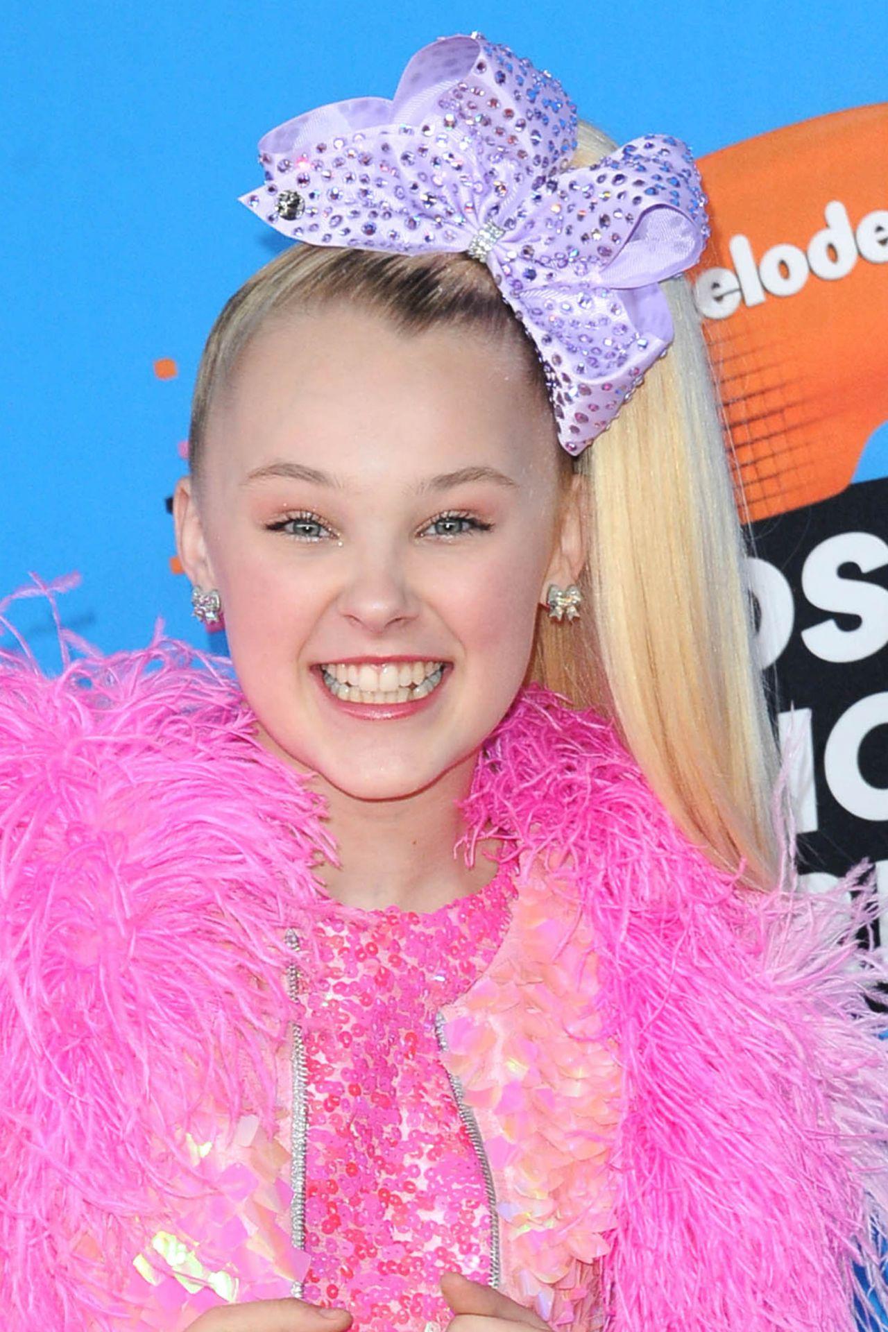JoJo Siwa  2018 Nickelodeon Kids Choice Awards