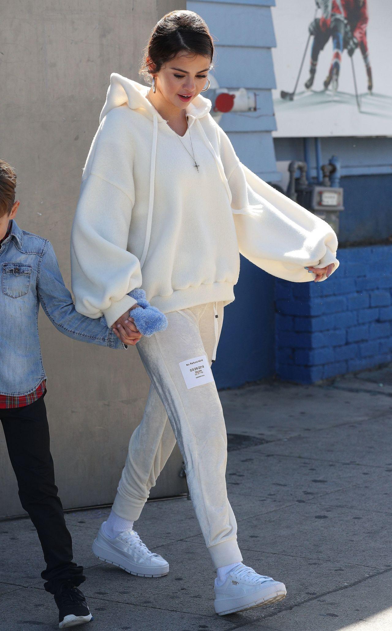 Selena Gomez Street Style  Los Angeles 03262018