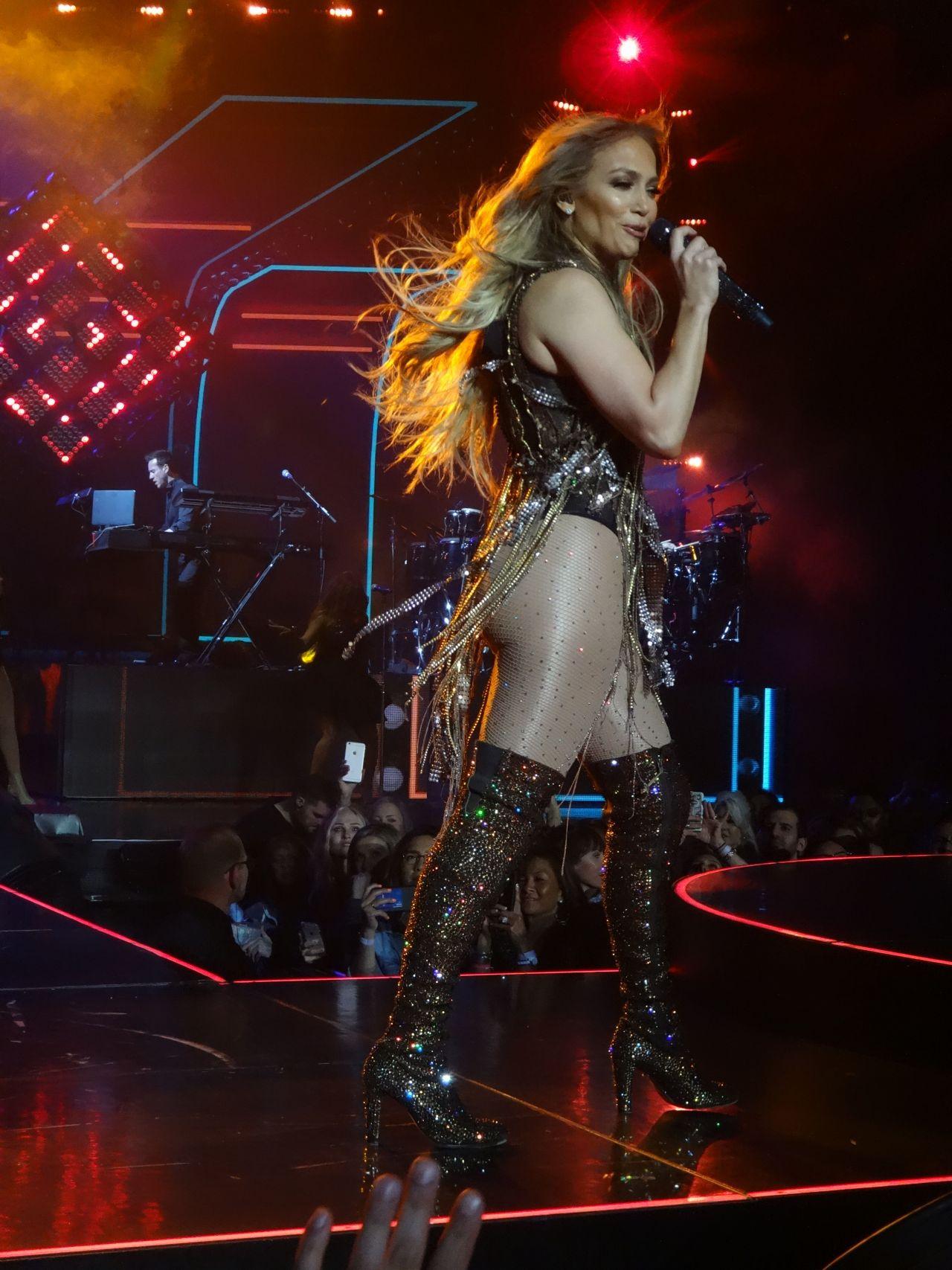 Jennifer Lopez  Show in Sin City Las Vegas 04202018