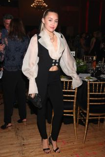 Miley Cyrus - Friend' Place 30th Anniversary Gala In
