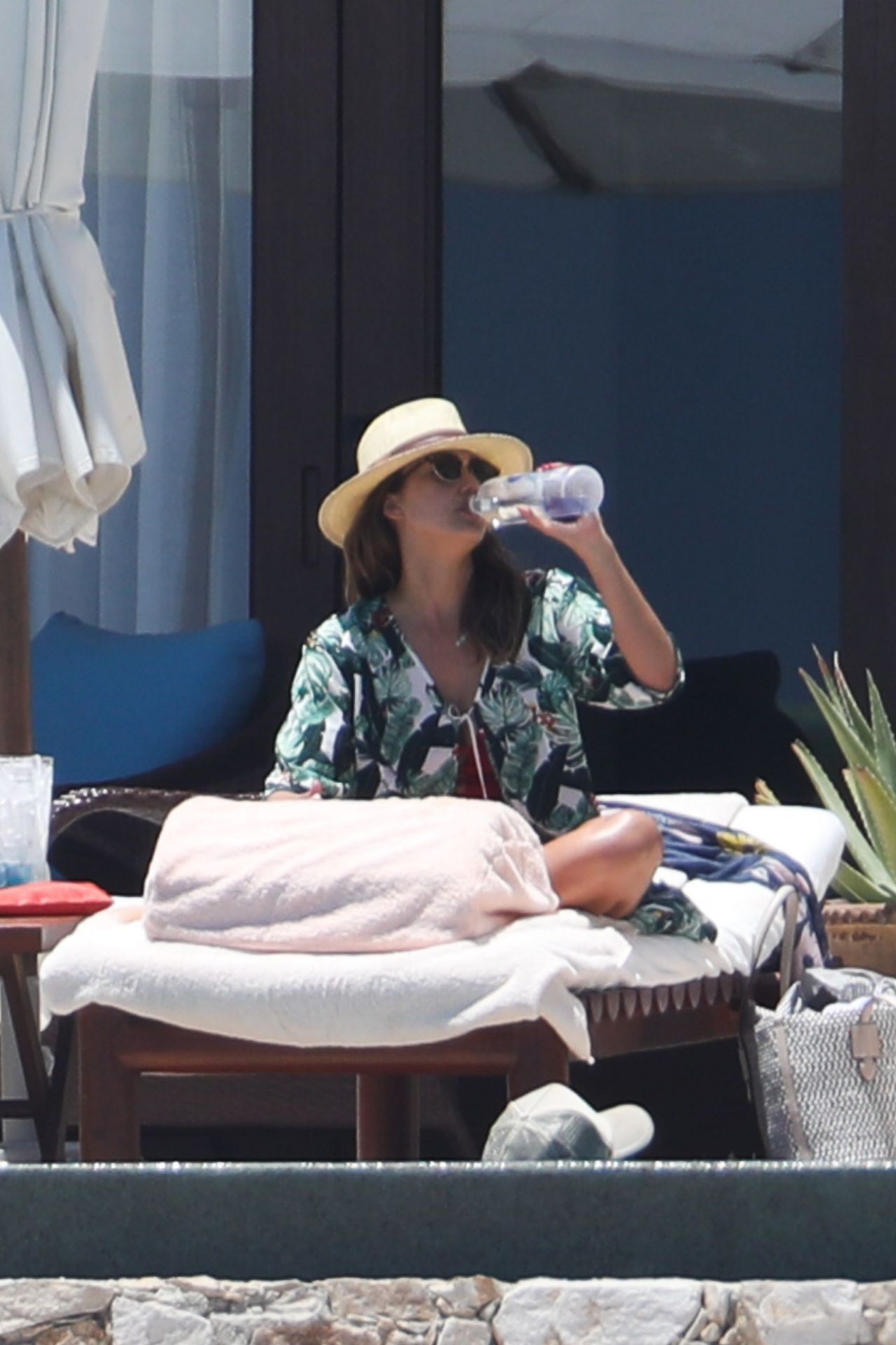 https://i0.wp.com/celebmafia.com/wp-content/uploads/2018/05/jessica-alba-relaxing-at-a-resort-in-cabo-san-lucas-05-02-2018-3.jpg