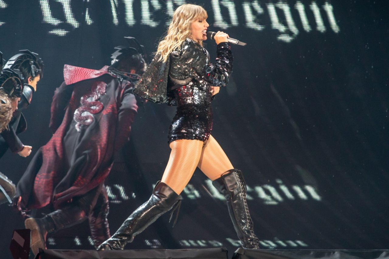 Taylor Swift Performs On Her Reputation World Tour In