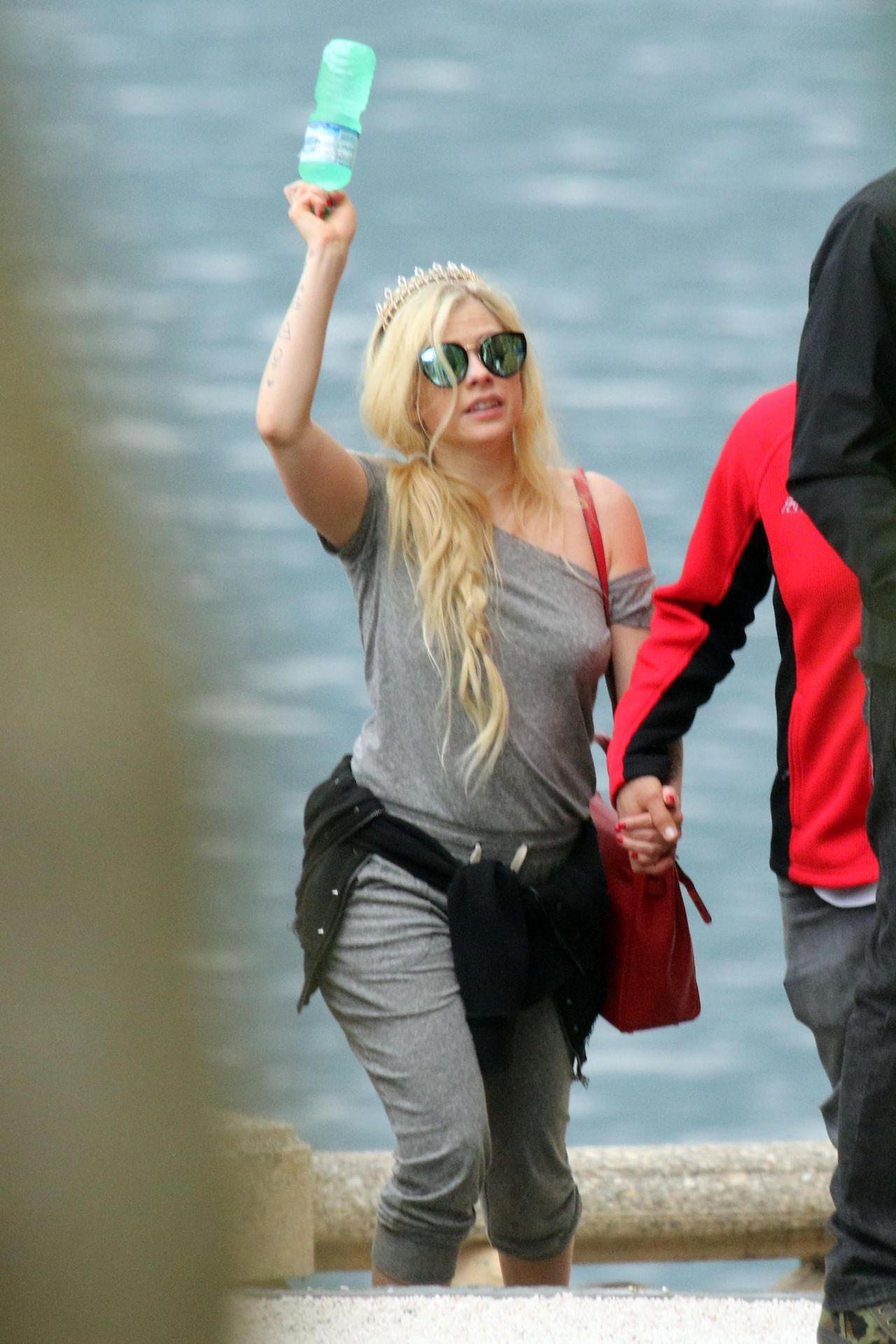 Avril Lavigne  Vacation on Lake Como in Italy 05312018