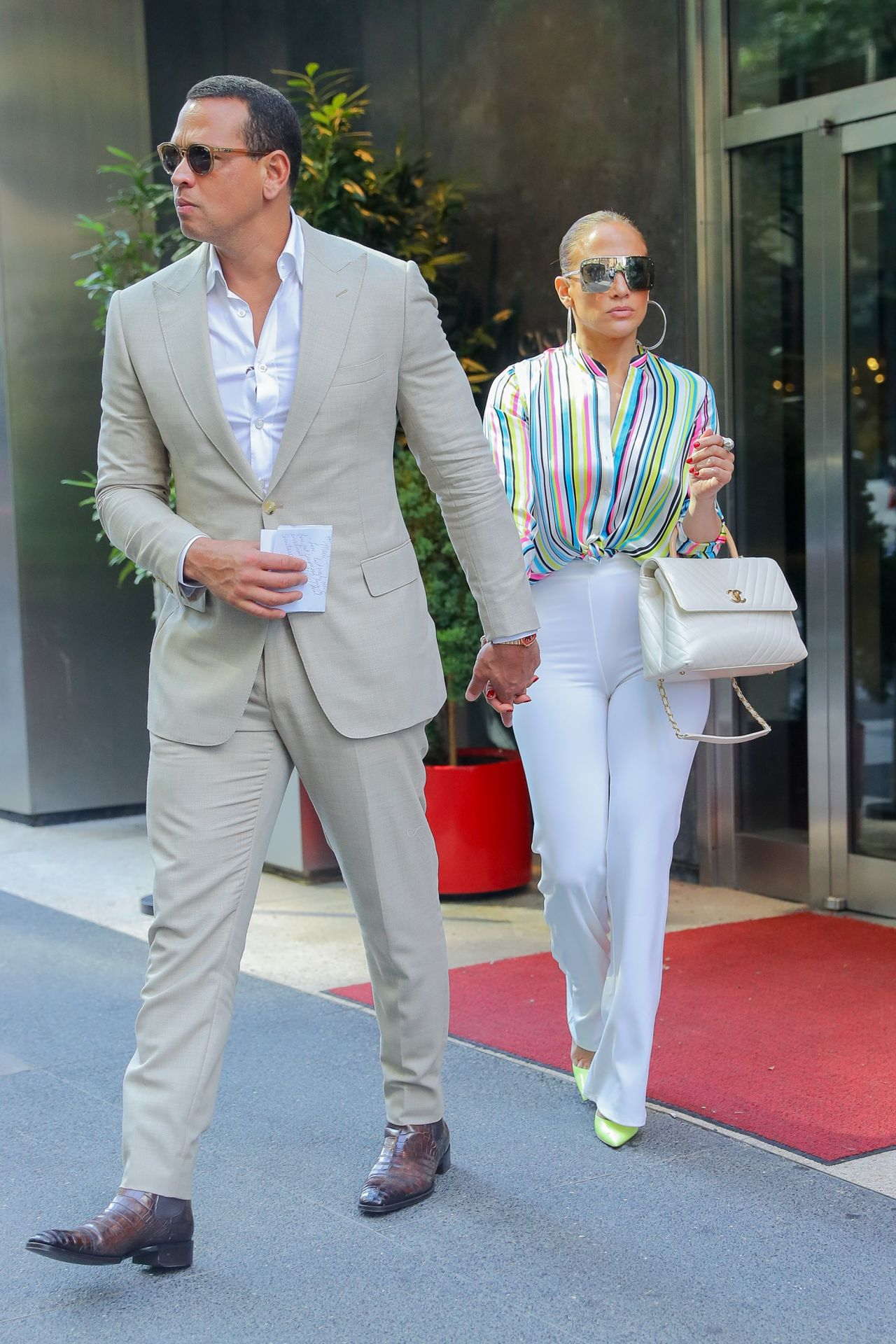 Jennifer Lopez and Alex Rodriguez  Leaving the Casa Lever