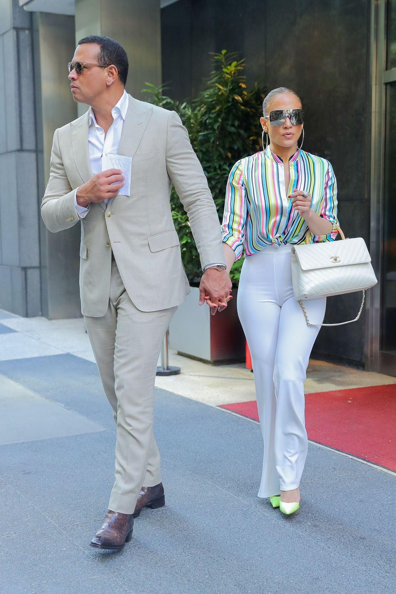 Jennifer Lopez and Alex Rodriguez  Leaving the Casa Lever