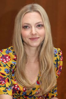 "Amanda Seyfried - ""mamma Mia "" Press"