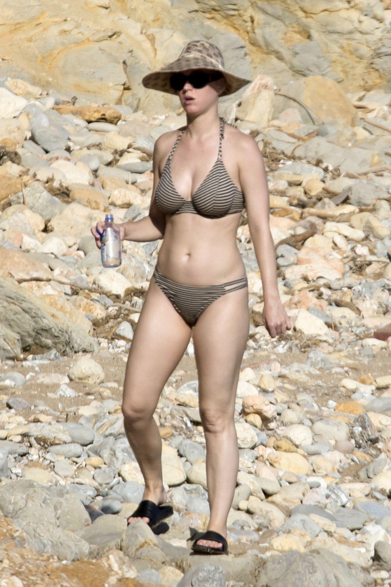 Katy Perry in Bikini at the Seaside in Ibiza 07012018