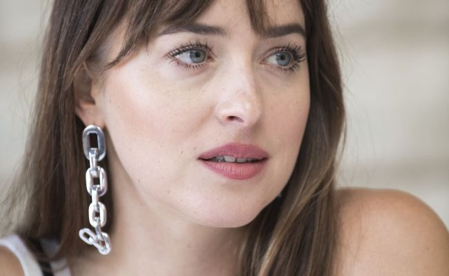 Dakota Johnson Bad Times At The El Royale Press