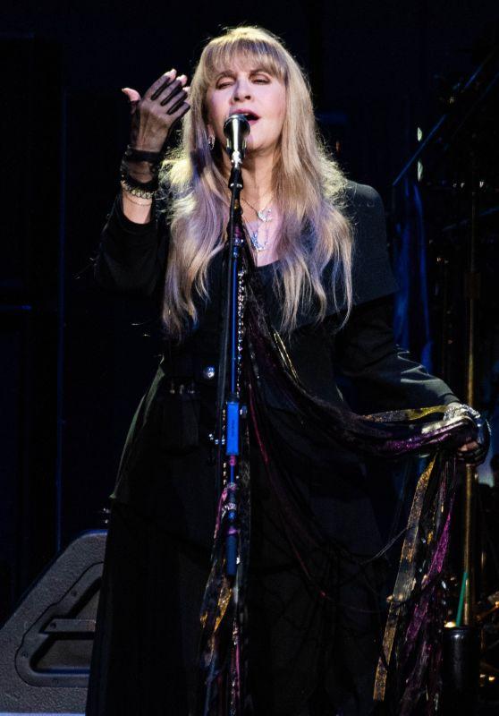 Stevie Nicks Latest Photos  CelebMafia