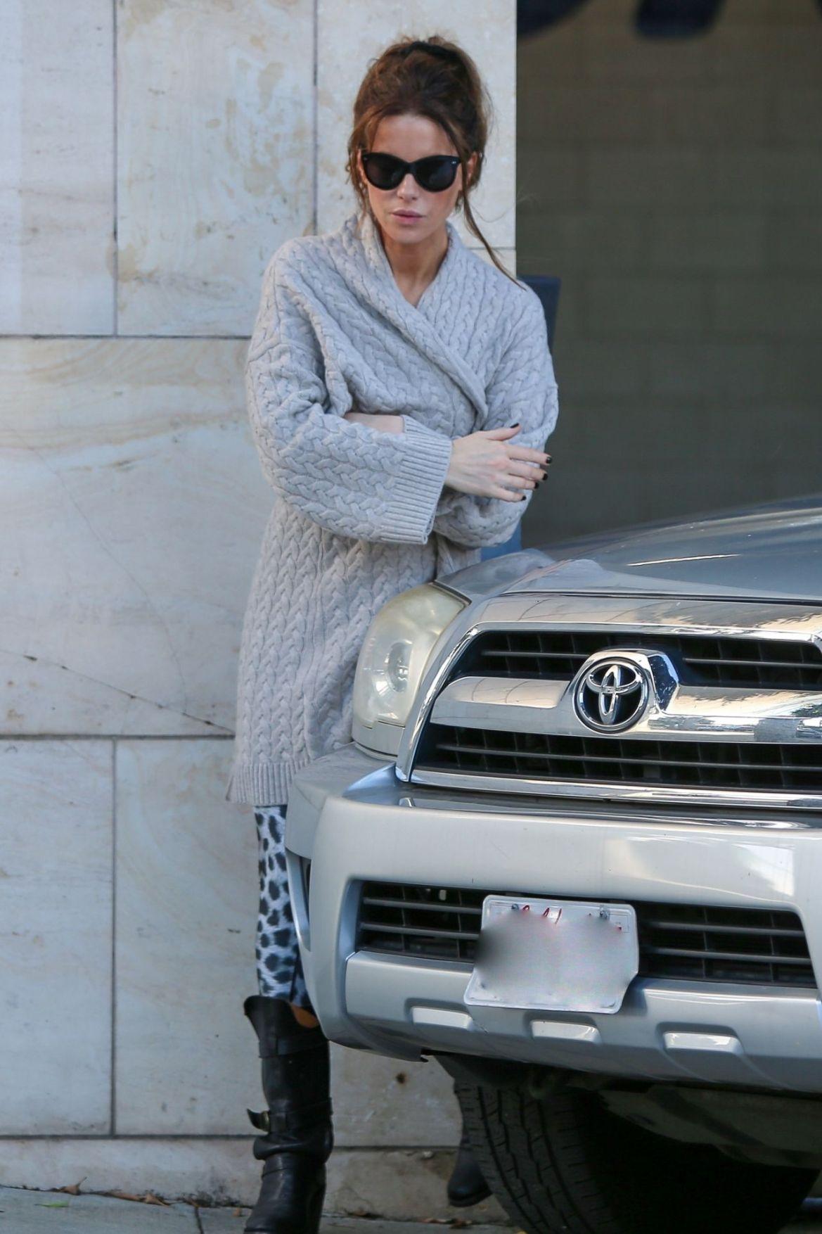 Kate Beckinsale – Los Angeles 11/30/2018