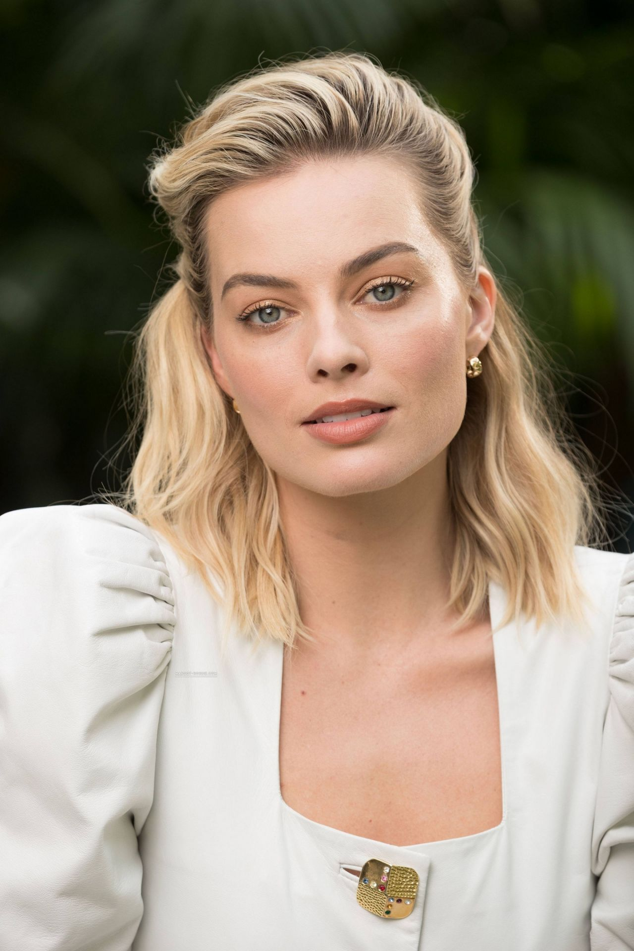 Margot Robbie Photoshoot For USA Today 2018 More Photos