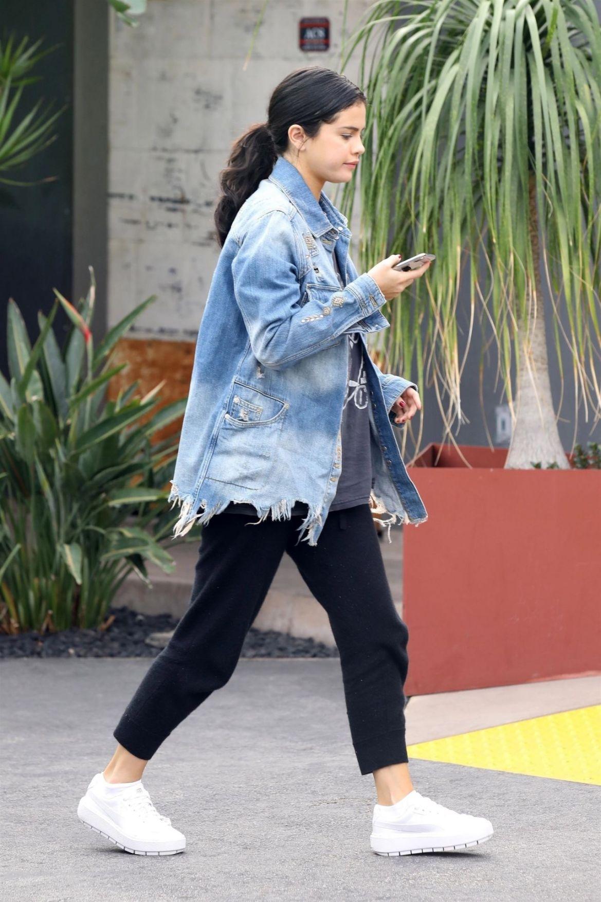 Selena Gomez Street Style 12/21/2018