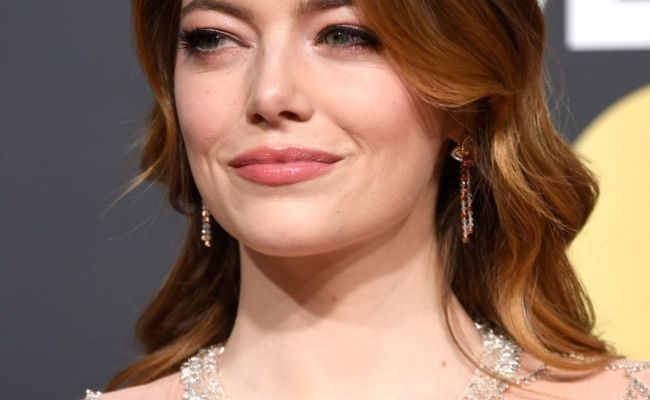Emma Stone 2019 Golden Globe Awards Red Carpet