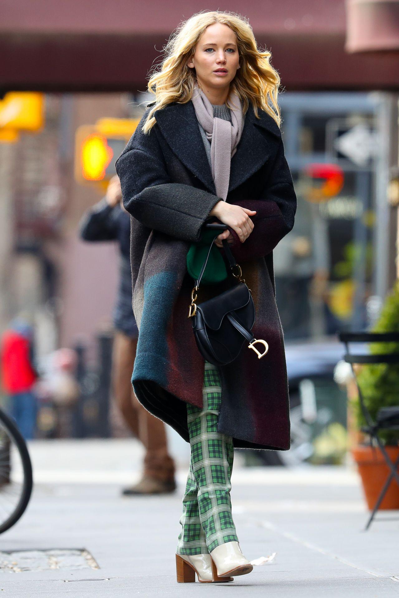 Jennifer Lawrence Street Fashion 01292019