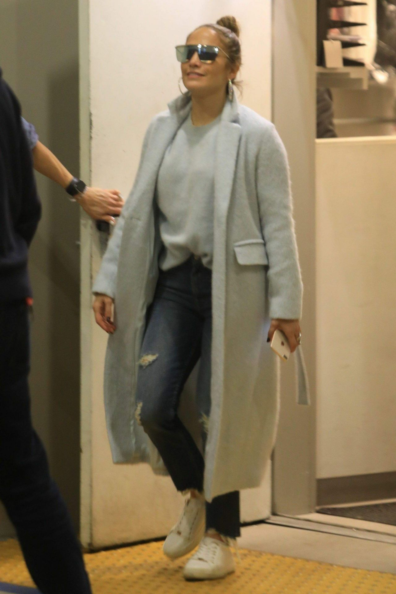 Jennifer Lopez  Shopping at Tom Ford Store in Beverly Hills 12312018