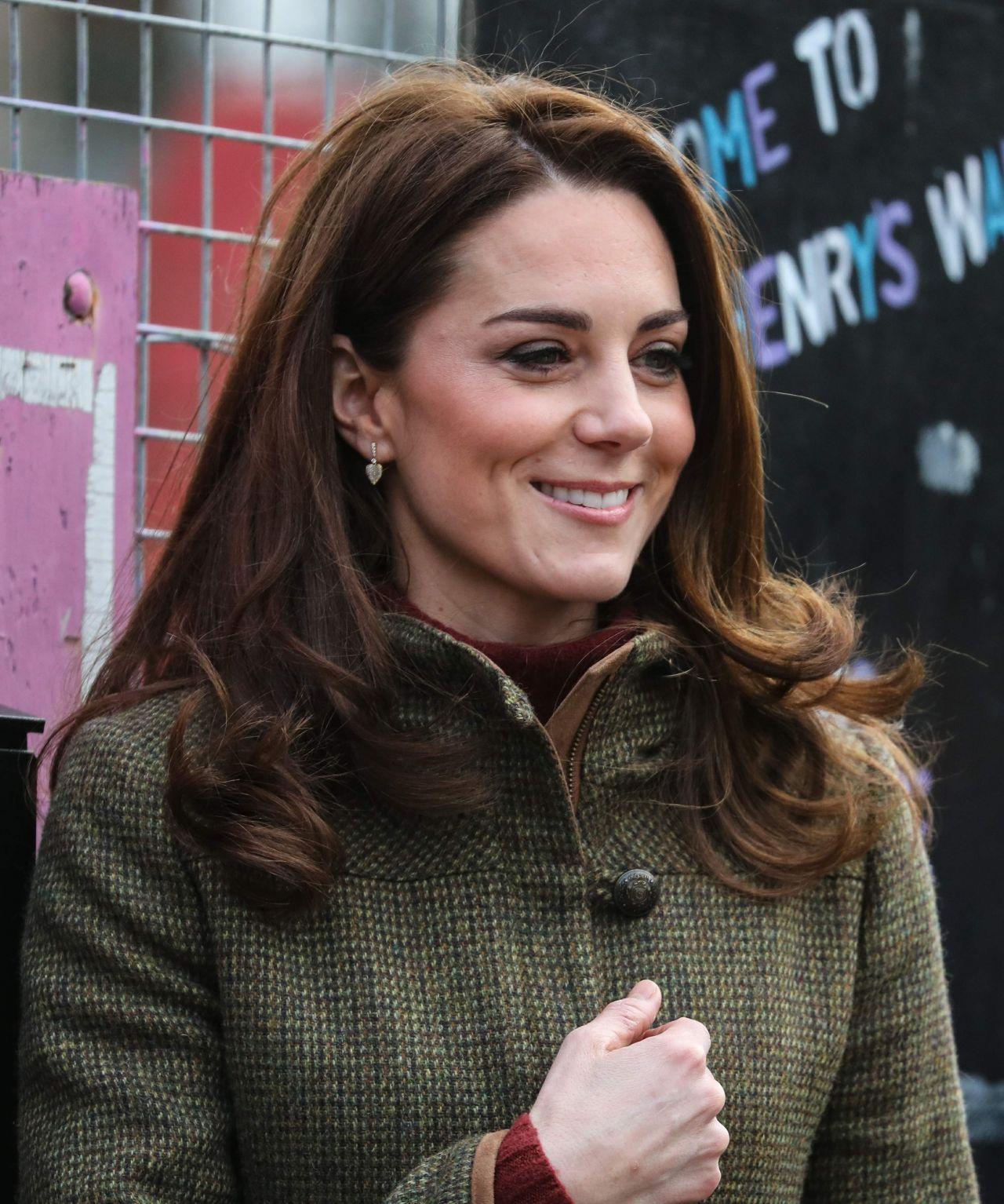 Kate Middleton  Visits the King Henrys Walk Garden in