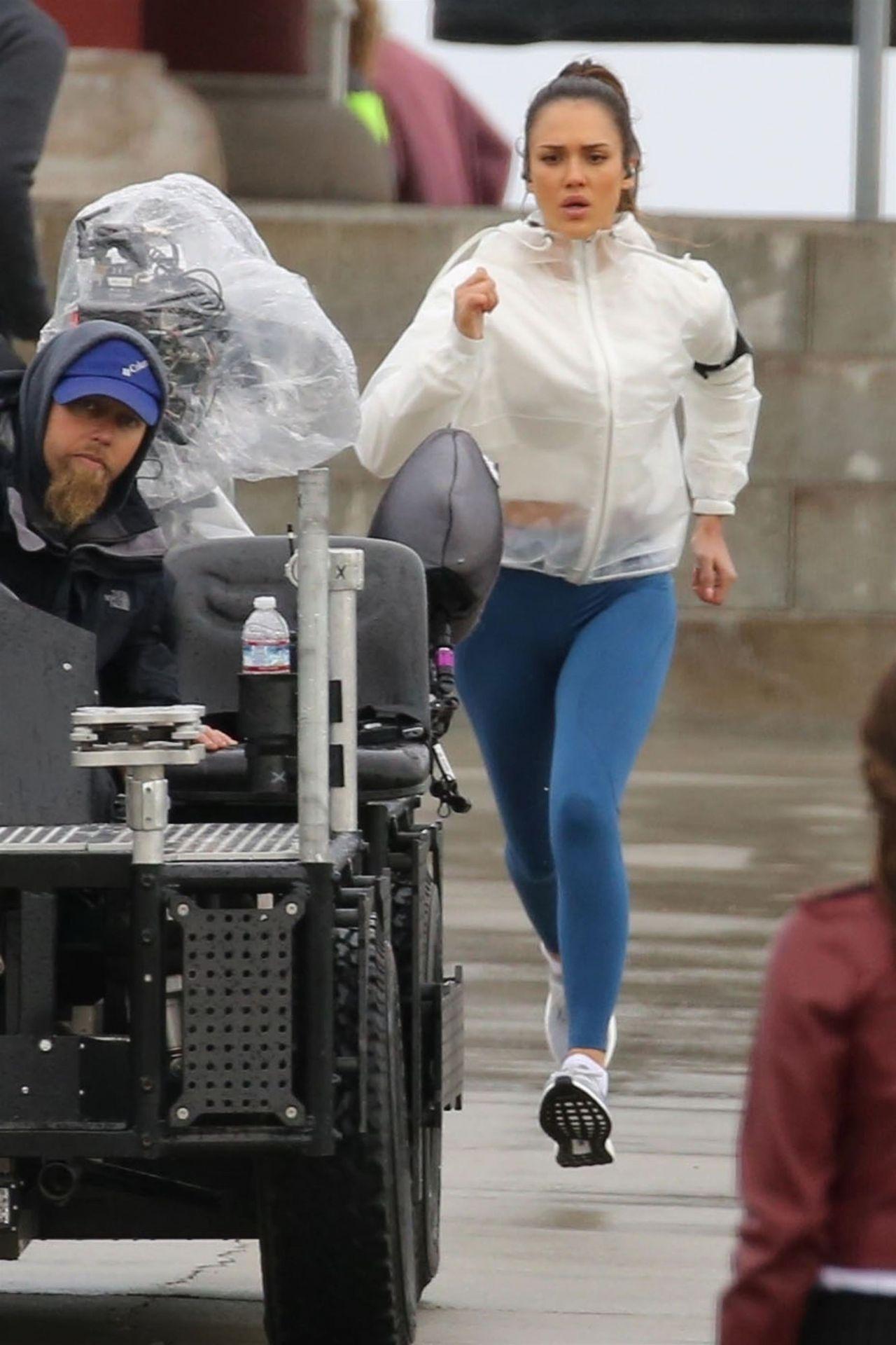 Jessica Alba  Filming LAs Finest in San Pedro 02132019
