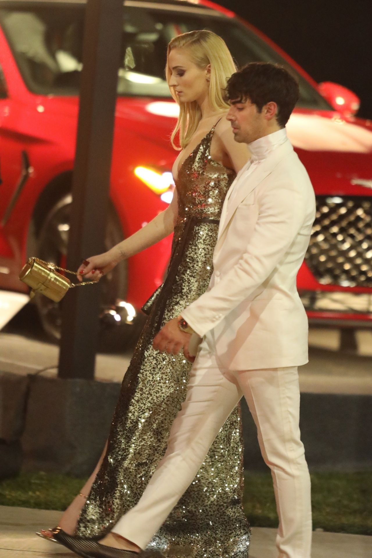 Sophie Turner and Joe Jonas  Outside Vanity Fair Oscar