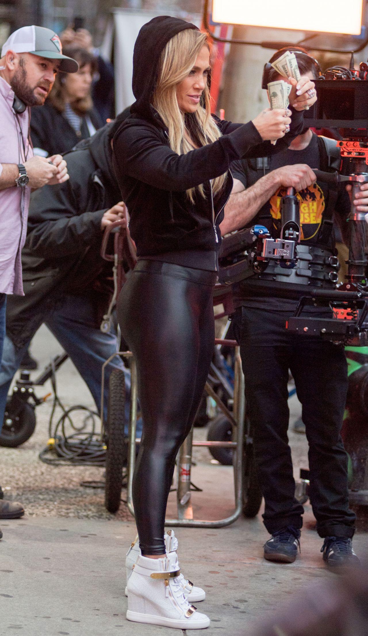 Jennifer Lopez in Spandex 03292019