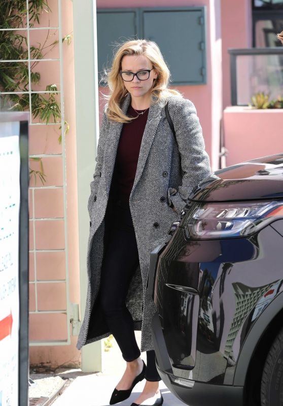 Reese Witherspoon Casual Style 03102019