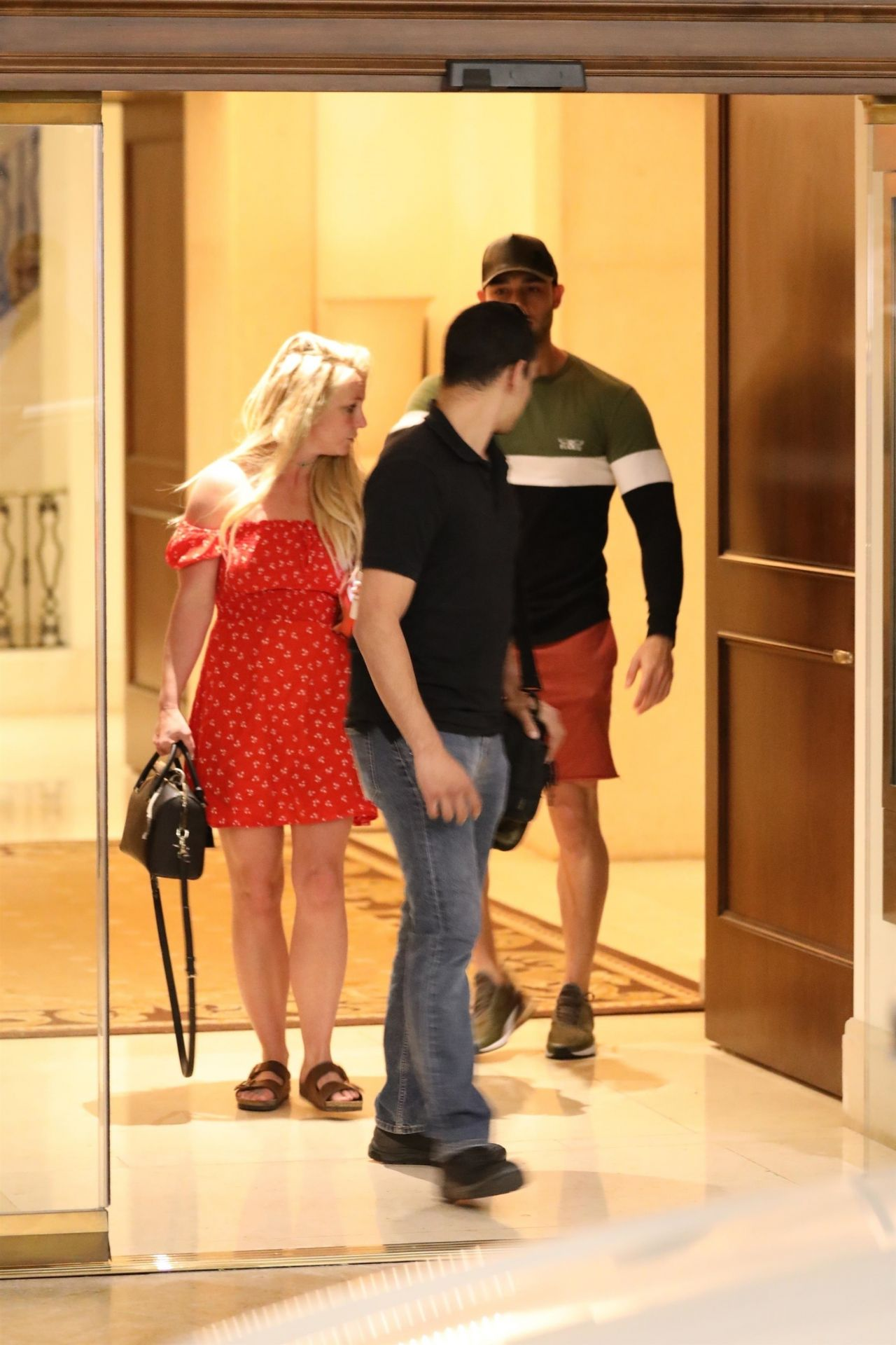 Britney Spears  Leaves The Montage Hotel in Beverly Hills