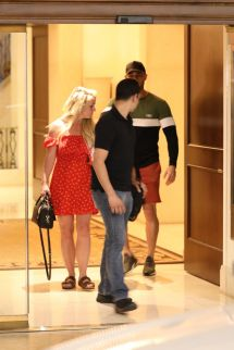 Britney Spears - Leaves Montage Hotel In Beverly Hills