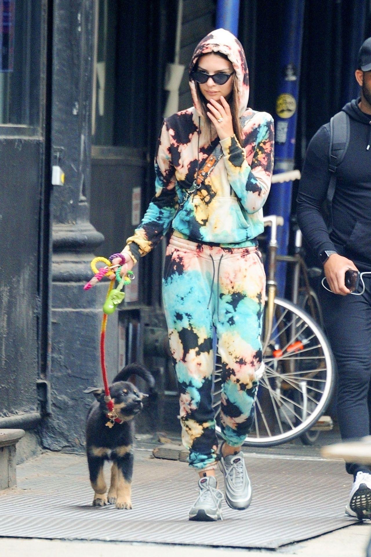 Emily Ratajkowski Street Style  New York City 05282019