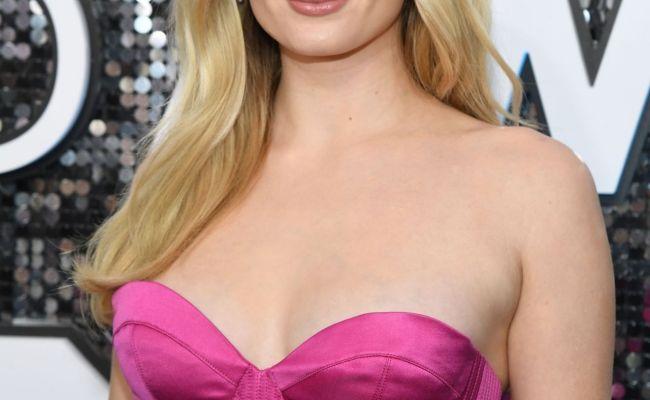 Sophie Turner Screen Actors Guild Awards 2020