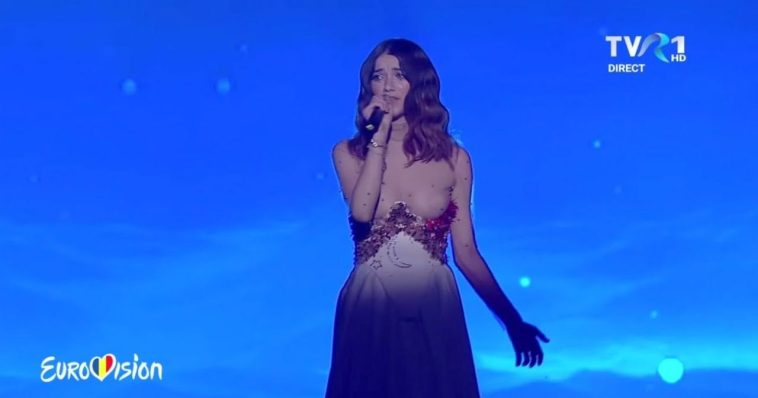"Roxen performing her Eurovision 2020 song ""Alcohol You"" on stage"