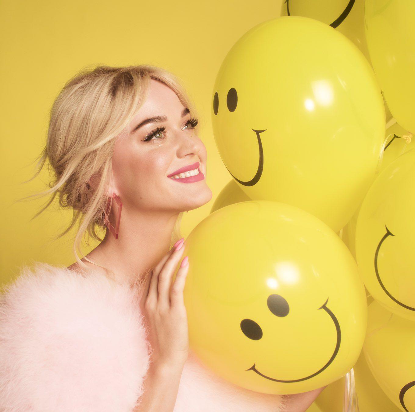 katy-perry-announces-smile-album-trackli