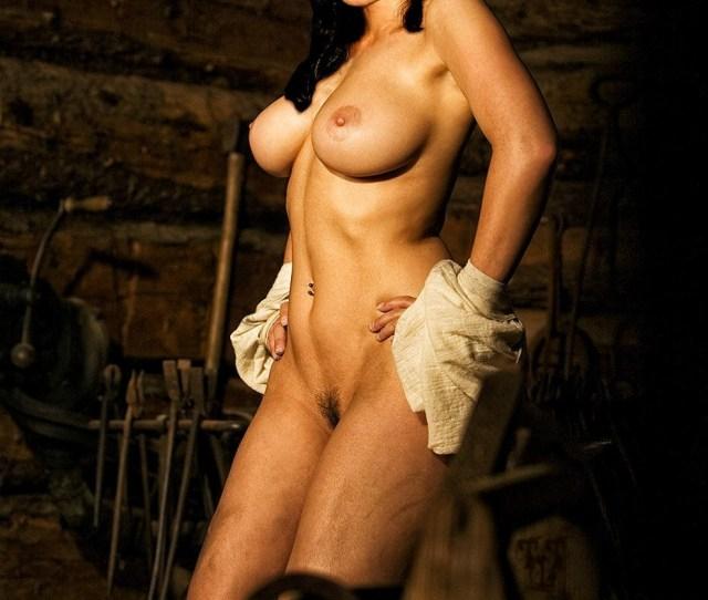 Tia Carera Nude