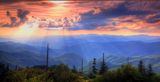 dream vacation Smoky Mountains, Gatlinburg Cabin Rentals, Gatlinburg vacation accommodations, Pigeon Forge Cabin Rentals, Pigeon Forge vacation accommodations, Smoky Mountain cabin rentals, Smoky Mountain dream vacations, Smoky Mountain vacation, vacation Smoky Mountains