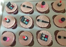 Celebrate-Cakes-Make-up-Cupcakes