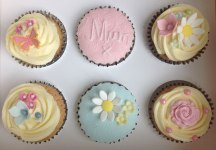 Celebrate-Cakes-Mothers-Day-Cupcakes
