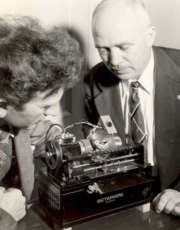 Percy Grainger with the phonogragh.jpg