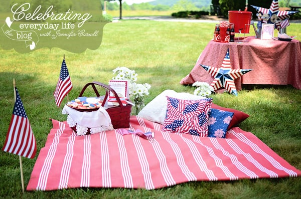 {let's celebrate} more 4th of July party ideas + a paper medallion tutorial
