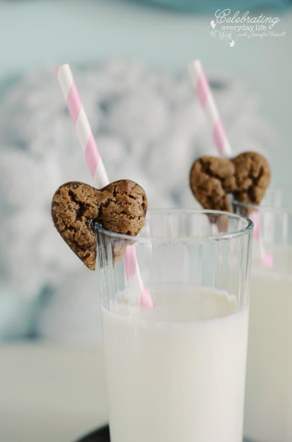 Gingerbread Hearts cookies & milk, valentine cookie treat, valentine's day, pink & white paper straws