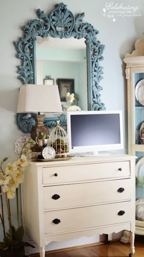 Mirror And Painted Bedside Table: Painting With Annie Sloan Chalk Paint