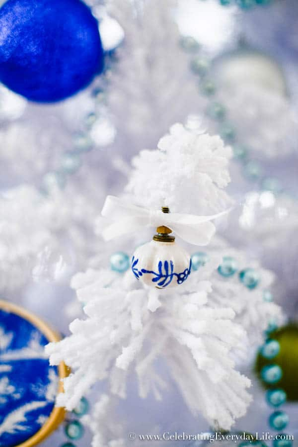 Blue & White Christmas Tree | Celebrating everyday life ...