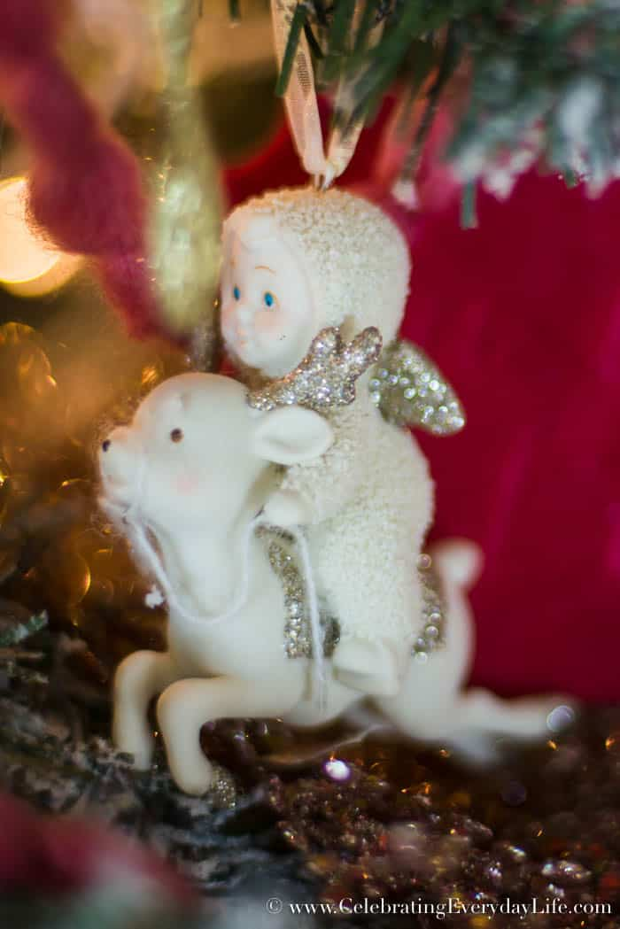 How to Make Your Shabby Chic Christmas Tree Spectacular, Snowbabies ornaments