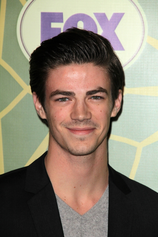 Grant Gustin Weight Height Ethnicity Hair Color Eye Color