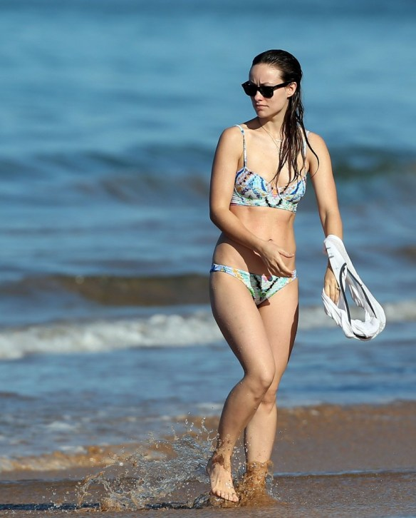Olivia-Wilde-Bikini-Photos-12